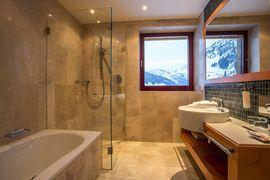 Badezimmer in der Feng Shui Suite - Wellnesshotel Warther Hof