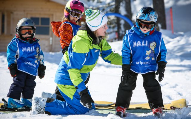Children's Ski Weeks with FREE Ski Pass and FREE Skiing Lessons 1/1