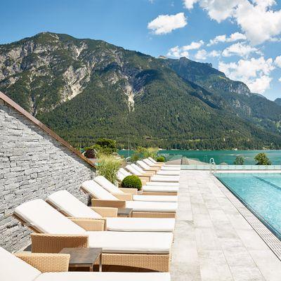 Angebot: Frühlings- & Herbstspecial mit Gratis-Urlaubstag und Wunschkorb 2021 - Das Karwendel - Ihr Wellness Zuhause am Achensee