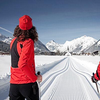 Offer: Cross-country skiing deal - Das Karwendel - Ihr Wellness Zuhause am Achensee