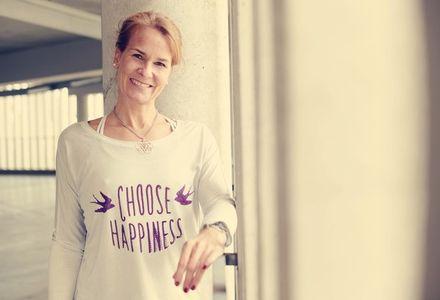 Yoga  - Destress & Relax mit Jacqueline Brenner - Just