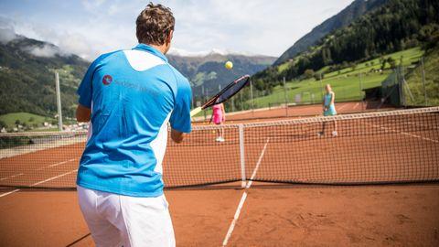 Tennis-couple lesson