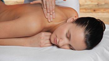 Massage du dos et des pieds - réflexologie