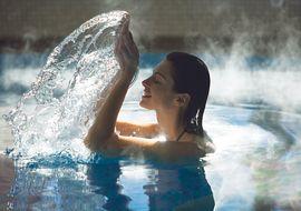 Hotel Post****superiorLermoos Lady im Pool