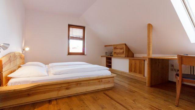 Doppelzimmer (klein, mit Dachschräge)