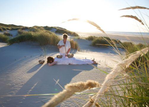 Biohotel AnNatur: Klangschalen-Massage am Strand - Haus AnNatur, Juist, Niedersachsen, Deutschland