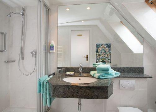 Biohotel AnNatur: Badezimmer - Haus AnNatur, Juist, Niedersachsen, Deutschland