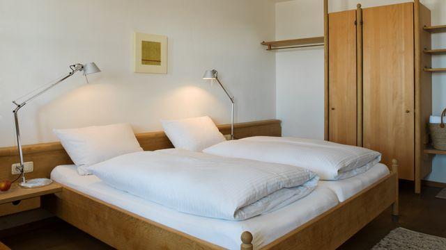 Komfort-Familienzimmer im Gästehaus mit 4 Gänge Bio Abendmenü
