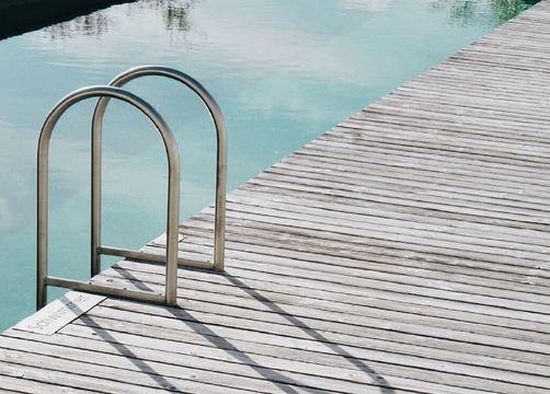 Biohotel Pausnhof Pool Einstieg - Biohotel Pausnhof