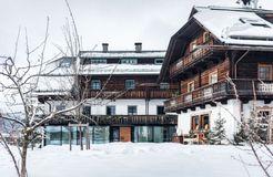 Biohotel Gralhof: Hotel im Winter - Biohotel Gralhof, Weissensee, Kärnten, Österreich