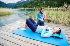 Biohotel Gralhof: Yoga am See - Biohotel Gralhof, Weissensee, Kärnten, Österreich