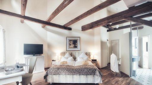 Suite im Schlossgut Oberambach