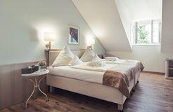 Camera doppia naturalmente sana con vista giardino garden (3/10) - Schlossgut Oberambach