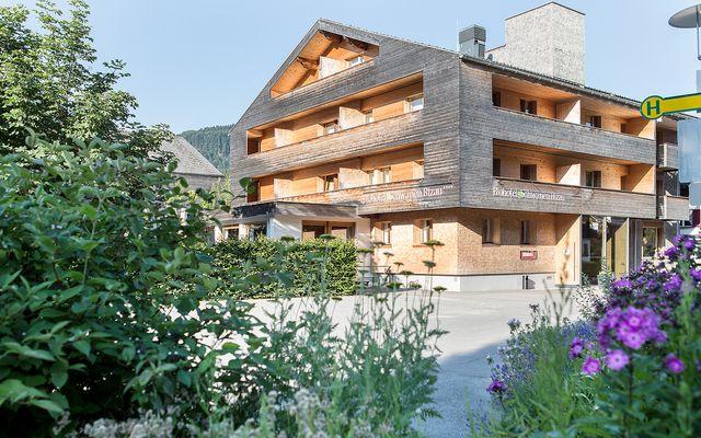 Biohotel Schwanen: Außenansicht im Sommer