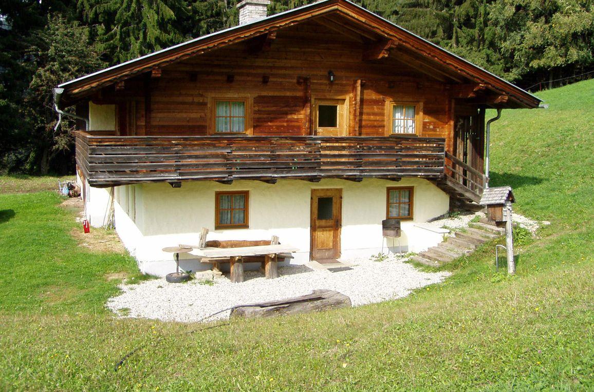 Moaralmhütte, Sommer