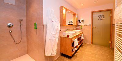 Deluxe double room 40 qm 2/2