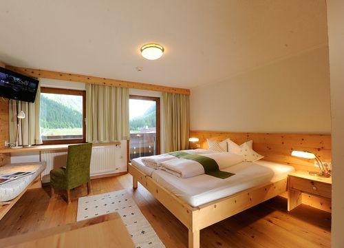 Doppelzimmer Wildspitzblick  (1/3) - Biohotel Stillebach