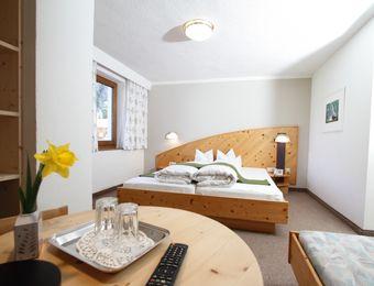 Föhren-Dreibettzimmer Stillebach - Biohotel Stillebach