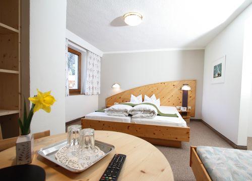 Föhren-Dreibettzimmer Stillebach (1/1) - Biohotel Stillebach