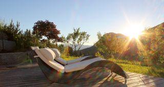 Biohotel Mattlihüs Wellness Liegestühle Urlaub