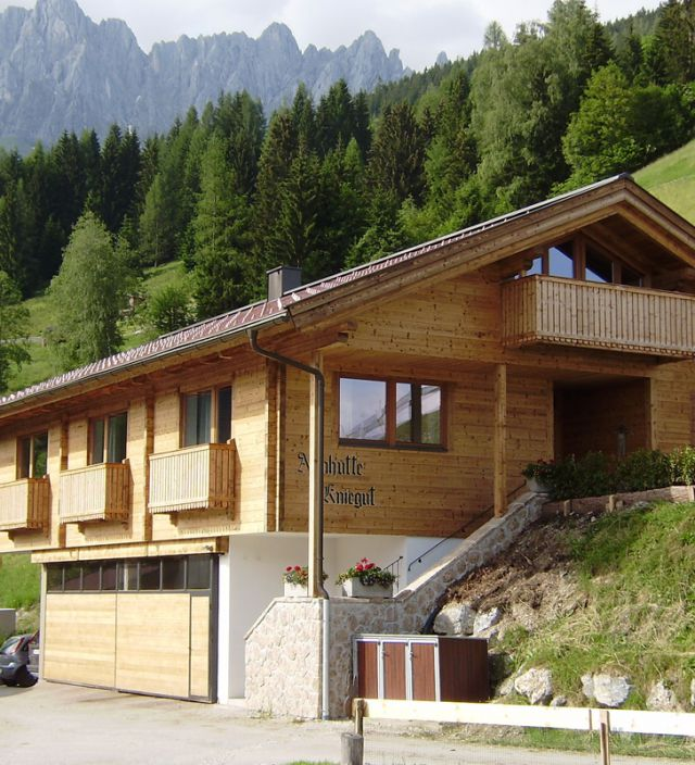 Chalet for groups