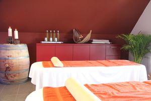 Kräuterstempel-Massage | 75 Minuten