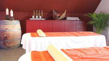 Kräuterstempel-Massage  | 50 Minuten