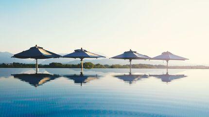 Infinity Pool - GENUSSDORF GMACHL - Hotel & Spa
