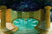 Romantic show nella piscina con acqua salina Royal