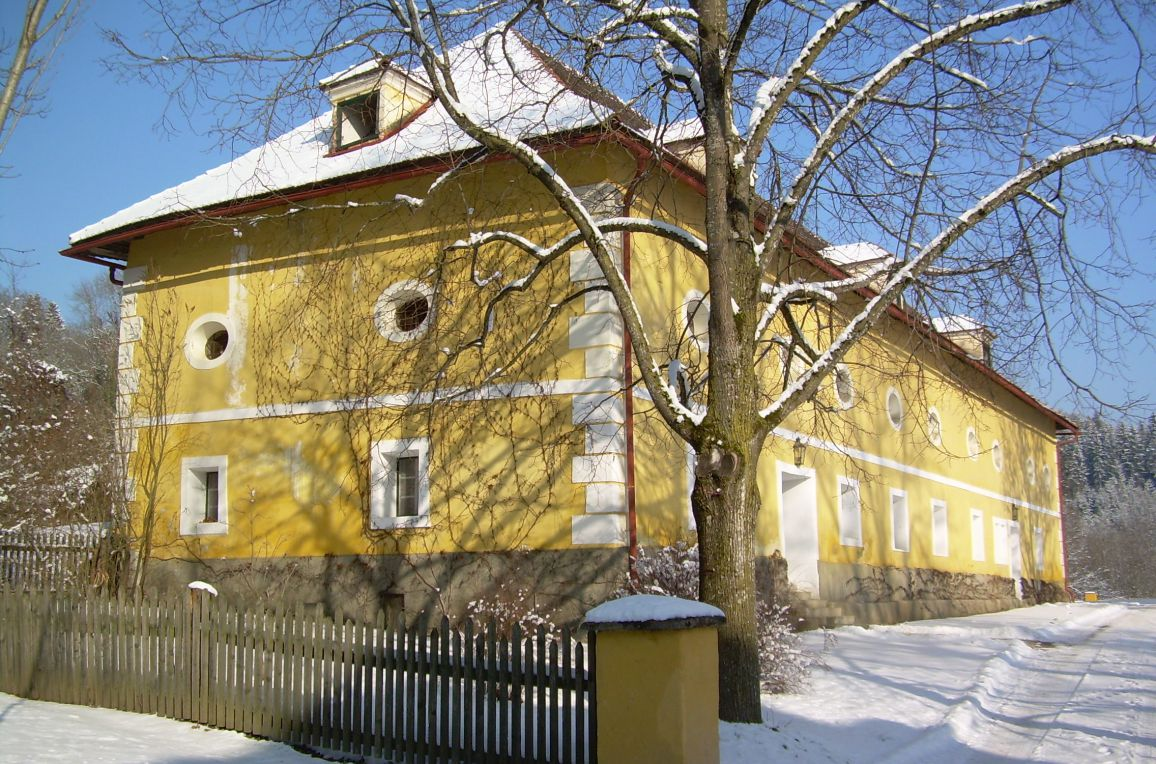 "Gut Ottmanach ""Schlosshof"", Winter"