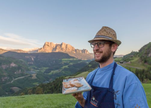 Biohotel Pennhof: Gastgeber Elmar Braun - Pennhof, Barbian (Bozen), Trentino-Südtirol, Italien