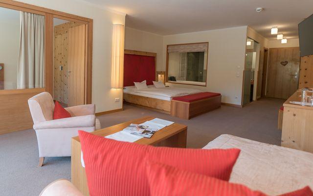 Zimmer WAP 605 Hotel Mein Almhof Nauders Reschenpass Symbolfoto4240 x 2832DSC0995820161102 - .jpg