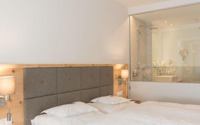 Symbolfoto Zimmer Hotel Mein Almhof Nauders EZ DZ 5369.jpg