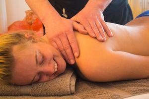 Körperpflege & Massage 80min