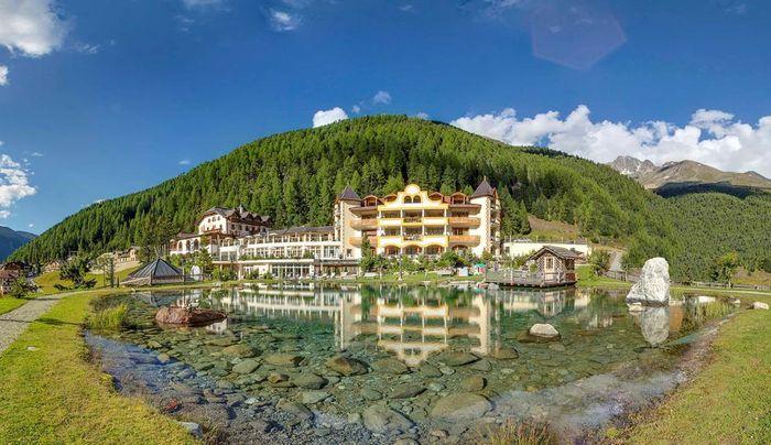 Piscina Doccia Senza Costume.Saune Piscine Wellness Beauty Alpin Spa Hotel Die Post