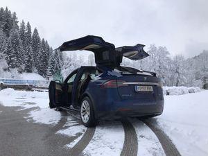 2 uur Tesla X 90D huren