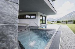 Biohotel Holzleiten: Schwimmbad - Bio-Wellnesshotel Holzleiten , Obsteig, Tirol, Österreich
