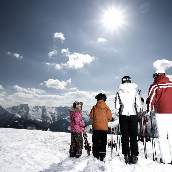 EasterLOVE 7=6 Special | 13.-22.04.19 for 7 nights | incl. skipass