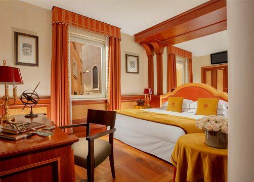 Deluxe room with Terrace (1/1) - Hotel Raphaël