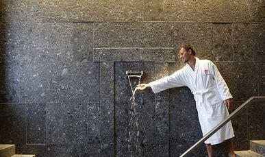 Tauchbecken im Wellnesshotel Hochschober