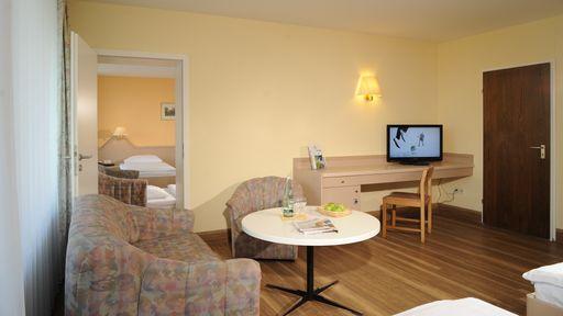 Für Familien bietet das Hotel Sonnenhügel als Familotel auch großzügige 2-Raum-Familienappartements.