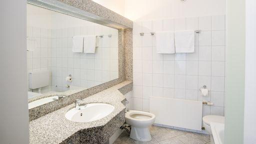 Für Familien bietet das Familotel Sonnenhügel auch großzügige 2-Raum-Familienappartements.