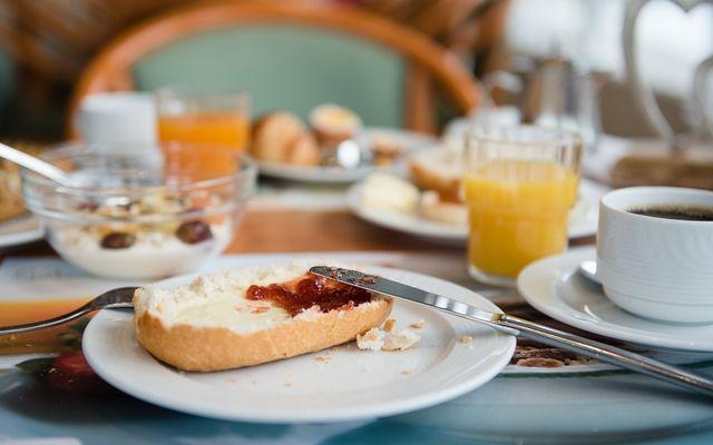 Frühstück Sonnenhügel.jpg