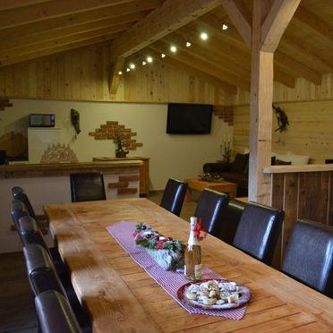 Almchalet Dorfblick, Dining table