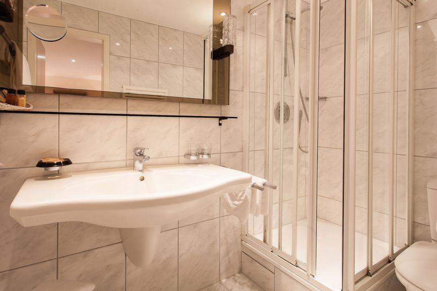 Badezimmer im Sonnen Doppelzimmer