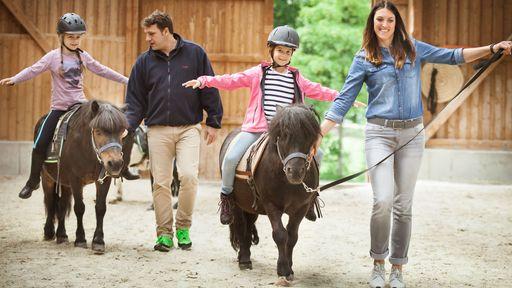 Absolutes Highlight im Familotel Ottonenhof ist das Ponyreiten.