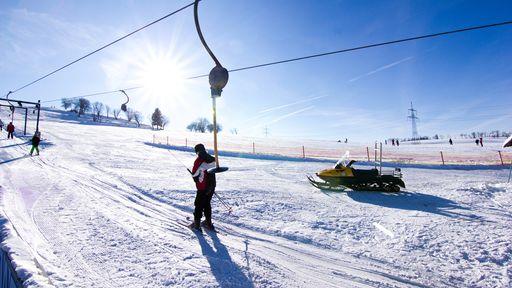 Skifahren, Langlauf und Rodeln am Frankenlift.