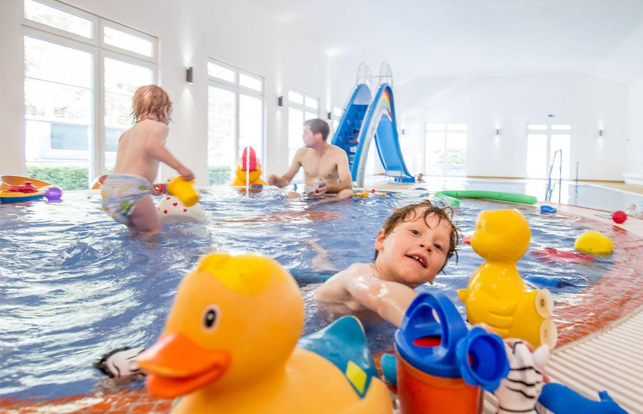 Familienhotel_Borchards_Rookhus_Pool.jpg