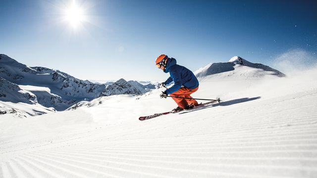 Sonnenskilauf mit Stubaier Super Skipass
