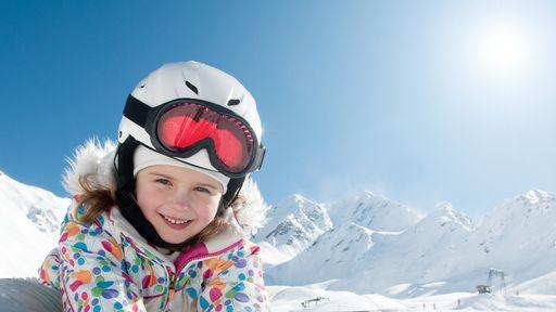 Der krönende Abschluss eines Skikurses ist, jeden Freitag das Kinderskirennen mit Medaillengewinn.